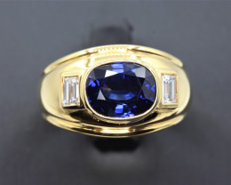 Natural Top beautiful Oval cut  Royalblue Sapphire Ceylon and Diamonds in 1