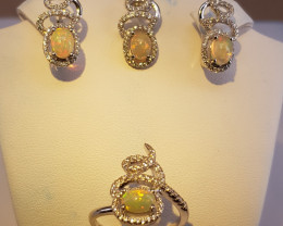 A Stunning Welo Fire Opal Set With CZ in Silver 925