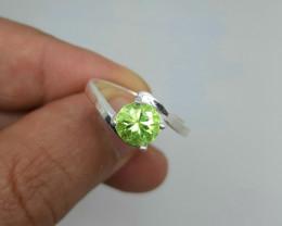 Natural peridot 925 Silver Ring, 8.5 size, 15 carats, 7x7x5mm.