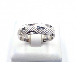 STERLING  SILVER PLAN RING 925% E 27