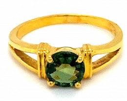 Green Sapphire 1.30ct Solid 18K Yellow Gold Solitaire Ring     Ring Size 7