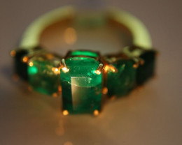 Emerald 6.16ct Solid 22K Yellow Gold Multistone Ring    Size 8