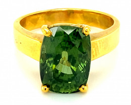 Green Zircon 8.90ct Solid 18K Yellow Gold Solitaire Ring       Size 7.5