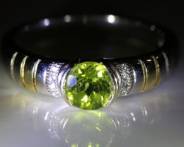 Peridot 1.02ct Platinum Finish Solid 925 Sterling Silver Ring       Size 11