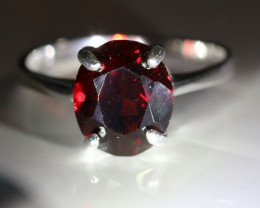 Red Garnet 3.15ct Platinum Solid 925 Sterling Silver Solitaire Ring      Si