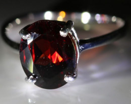 Red Garnet or Pyrope 2.10ct Platinum Finish Solid 925 Sterling Silver Solit