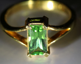 Tsavorite Garnet 2.42ct Solid 22K Yellow Gold Ring         Size 5.75