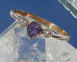 certified 9ct yg natural purple sapphire & diamond ring
