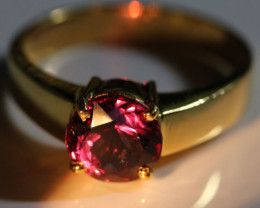 Color Change Garnet 2.72ct Solid 18K Yellow Gold Solitaire Ring