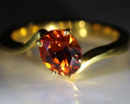 Spessartine Garnet 2.20ct Solid 18K Yellow Gold Solitaire Ring