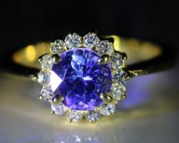 Tanzanite 1.54ct Natural Diamonds Solid 18K Yellow Gold Halo Ring