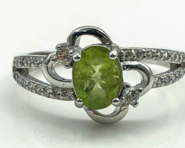 14.88 Crt Natural Peridot With Cubic Zircon 925 Silver Ring