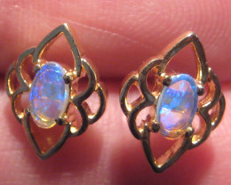 Pretty Australian Opal and 10k Gold Earrings (z2278)
