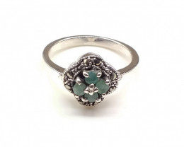 EMERALD 925% SILVER RING A35