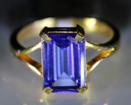 Tanzanite 3.10ct Solid 22K Yellow Gold Ring
