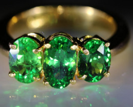 Tsavorite Garnet 2.90ct Solid 22K Yellow Gold Multistone Ring