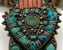 185.5 Crt  Turquoise Nepali Pendant with brass material