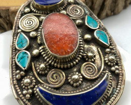 210 Crt  Turquoise and Lapis Lazuli Nepali Pendant with brass material