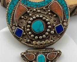225 Crt  Turquoise and Lapiz lazuli Nepali Pendant with brass material
