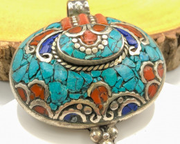 140 Crt  Turquoise and Lapis Lazuli Nepali Pendant with brass material