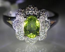 Peridot 1.74ct Platinum Finish Solid 925 Sterling Silver Cocktail Ring