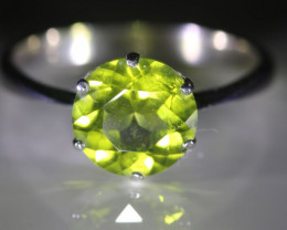 Peridot 3.10ct Platinum Finish Solid 925 Sterling Silver Ring