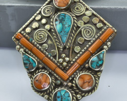 137 Crt Turquoise Nepali pendant Brass Material