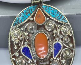 110 Crt Turquoise And Lapis Lazuli Nepali pendant Brass Material