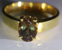 Color Change Garnet 2.60ct Solid 18K Yellow Gold Ring