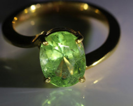 Peridot 3.44ct Solid 18K Yellow Gold Ring