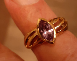 9ct YG amethyst ring