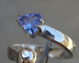 Natural Tanzanite Gorgoues Ring