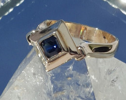 natural blue sapphire 9ct YG ring
