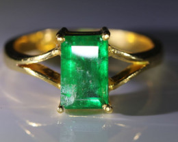 Emerald 1.51ct Solid 22K Yellow Gold Ring