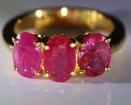 Tajik Ruby 4.53ct Solid 22K Yellow Gold Multistone Ring   7.5gmsssss!!!!!