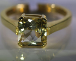 Scapolite 2.62ct Solid 18K Yellow Gold Ring