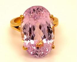 Pink Kunzite 23.50ct Solid 22k Yellow Gold Ring