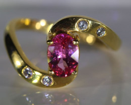 Red Mahenge Spinel 1.01ct Natural Diamonds Solid 22K Yellow Gold Multistone