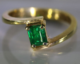 Emerald .80ct Solid 22K Yellow Gold Ring