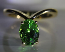 Tsavorite Garnet 2.42ct Solid 18K Yellow Gold Ring