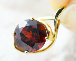 14 K Yellow Gold Garnet Pendant P11372 - G29