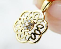 18K Yellow Gold Diamond Pendant - H111 - P11584