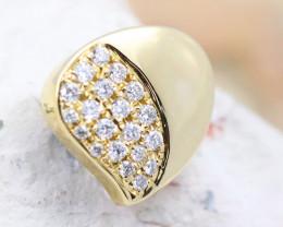 18K Yellow Gold Diamond Pendant - H114 - P11580