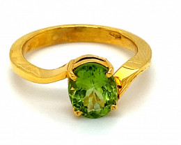 Peridot 2.00ct Solid 18K Yellow Gold Ring