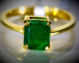 Emerald 1.80ct Solid 22K Yellow Gold Ring