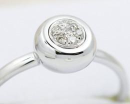 18K White Gold Diamond Ring Size 7 - H133 - R11574