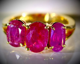 Tajikistan Ruby 4.67ct Solid 22K Yellow Gold Multistone Ring