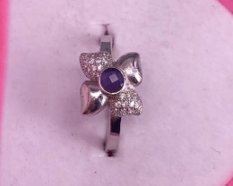 Woo Beautiful Natural Amethyst Ring and Zircon