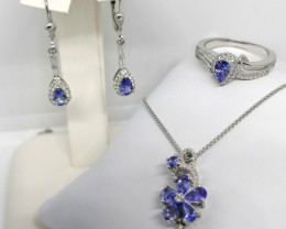Tanzanite Set of Ring, Earrings and Pendant 4.00 TCW