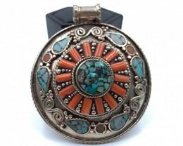 307.5 Crt Turquoise Nepali Pendent Brass Material
